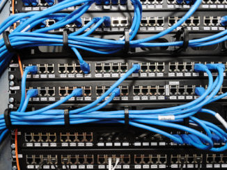 Windows 10: Netzlaufwerk bei Start automatisch verknüpfen